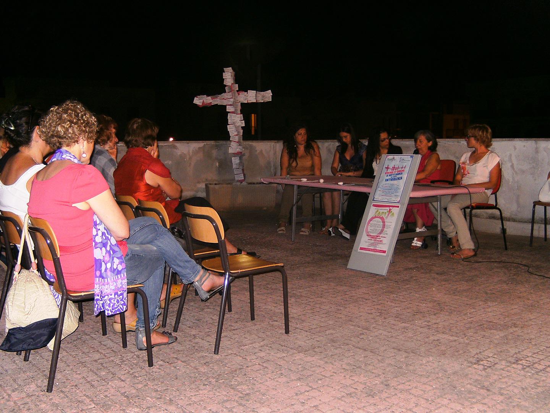 La notte bianca dei centri Antiviolenza, promossa da Dire. 2012
